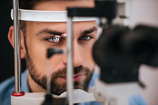 Can an eye exam reveal Alzheimer's risk? featured image