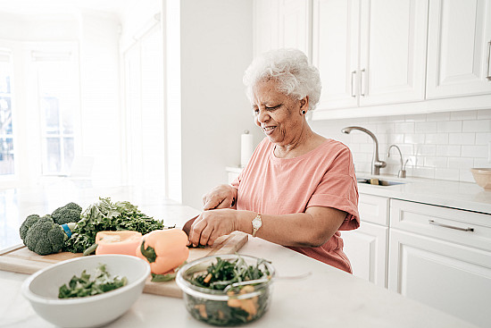 Healthy eating for older adults featured image