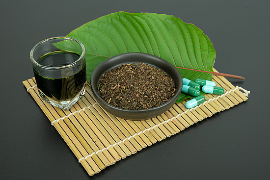 Kratom: Fear-worthy foliage or beneficial botanical? featured image