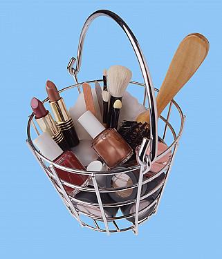 Keeping children safe around cosmetics featured image