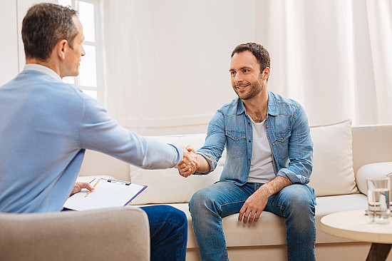 I'm in pain, so why is my doctor suggesting a psychologist? featured image