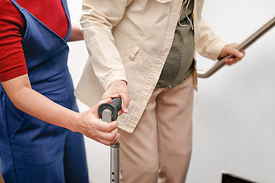 Preventing falls in older adults: Multiple strategies are better featured image