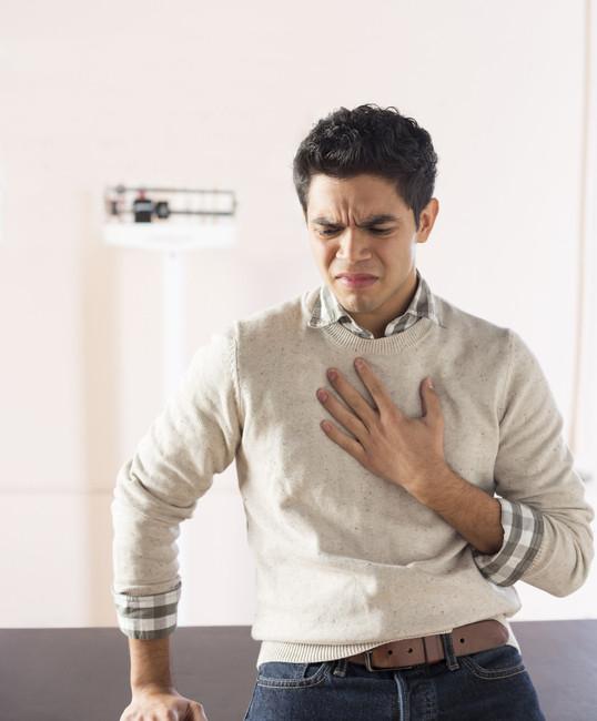 young-man-heartburn